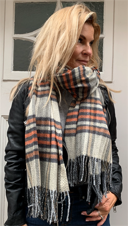 Black Colour tørklæde - Gerda Check Scarf, Orange