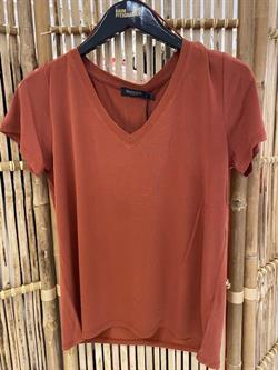 Soaked in Luxury T-shirt - SL Columbine V-neck SS, Barn Red